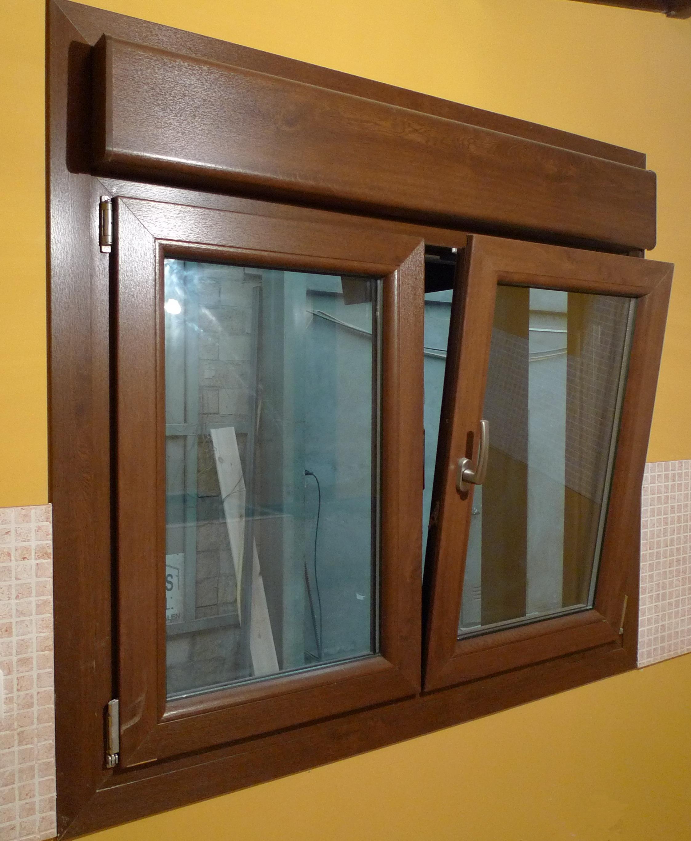 Cerramientos pvc frampe murcia for Ventanas de aluminio con marco de madera