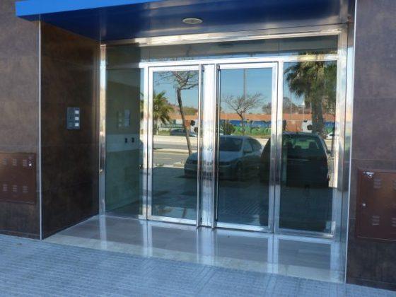puerta comunidad II