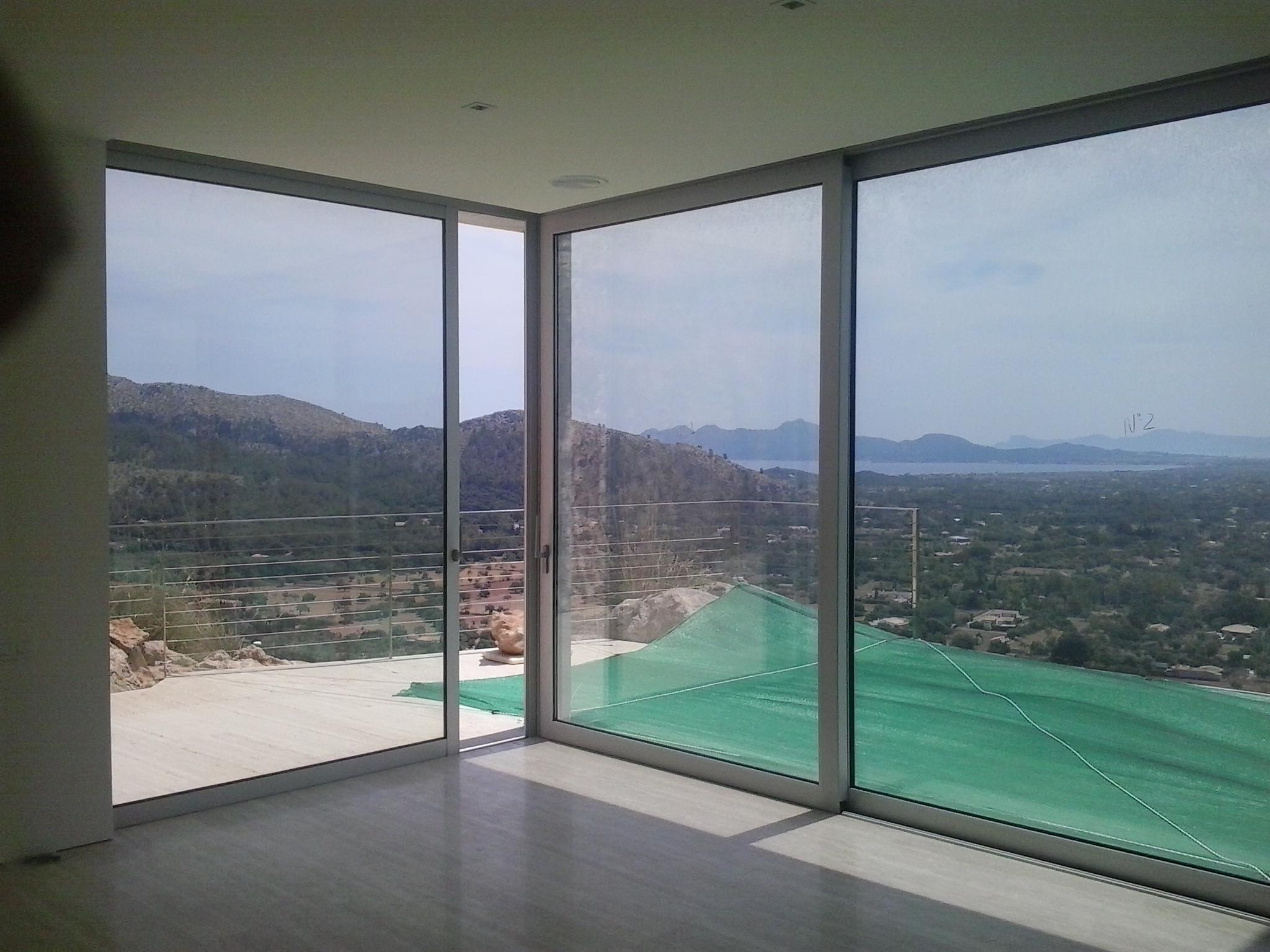 Ventanas y puertas de aluminio frampe cerramientos de for Puertas de aluminio