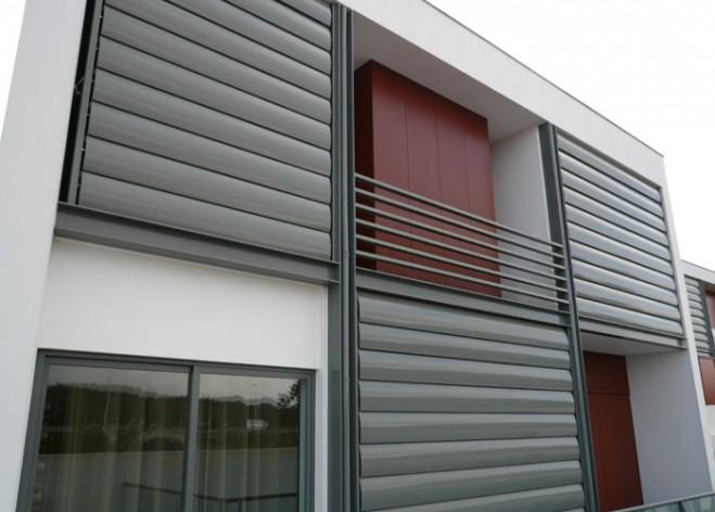 Vallas y celos as frampe cerramientos de aluminio pvc hierro cortinas de cristal toldos - Persianas para balcones ...