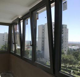 ventana-aluminio-oscilo-batiente